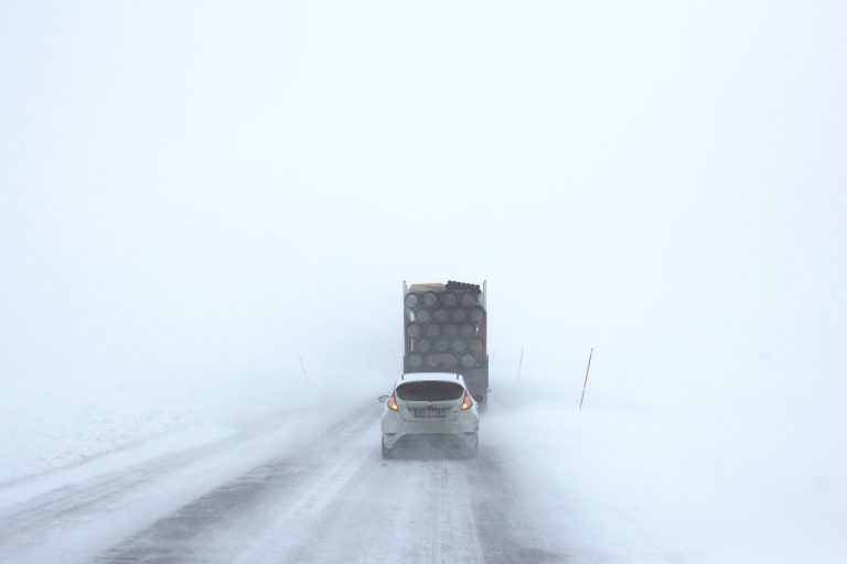 Essential Tips For Driving in a Snowstorm or Blizzard